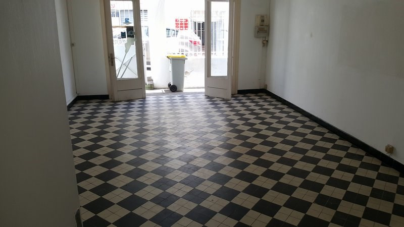 Location local commercial St denis 650€ CC - Photo 5
