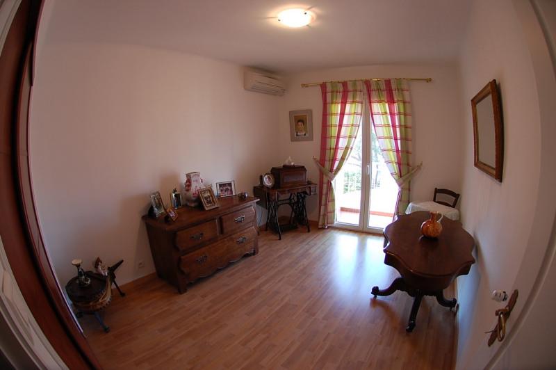 Sale house / villa Six fours les plages 387000€ - Picture 10