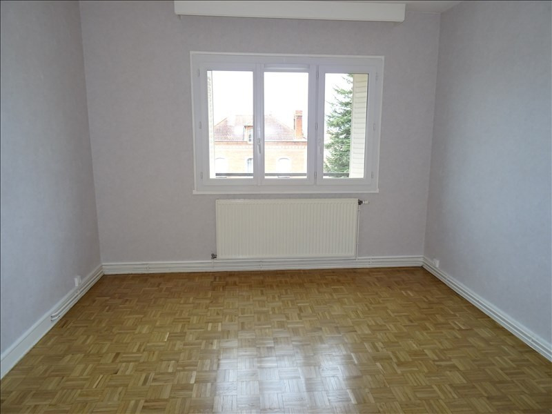 Location appartement Le coteau 390€ CC - Photo 4