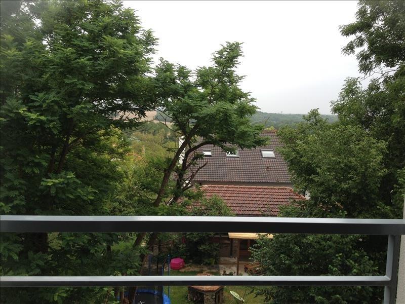 Location appartement Combs la ville 690€ CC - Photo 2