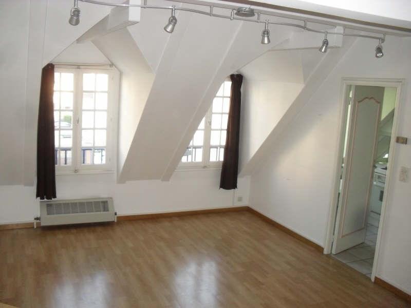 Rental apartment Auxerre 540€ CC - Picture 1