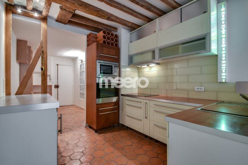 Rental apartment Paris 1er 1 895€ CC - Picture 2