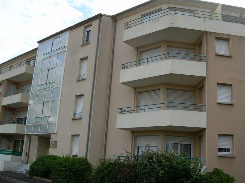 Location appartement Niort 524,16€ CC - Photo 1