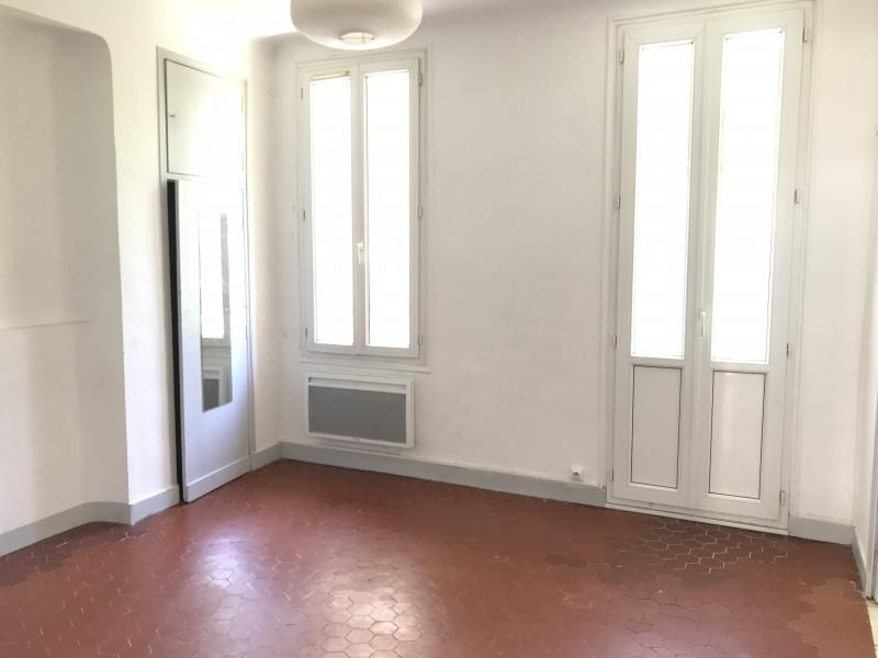 Rental apartment Aix en provence 722€ CC - Picture 1