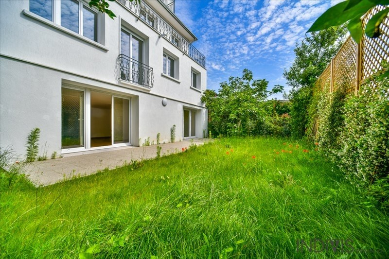 Sale apartment Suresnes 590000€ - Picture 1