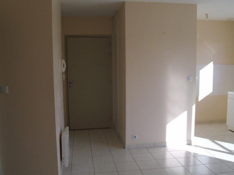 Rental apartment Meslay du maine 420€ CC - Picture 3