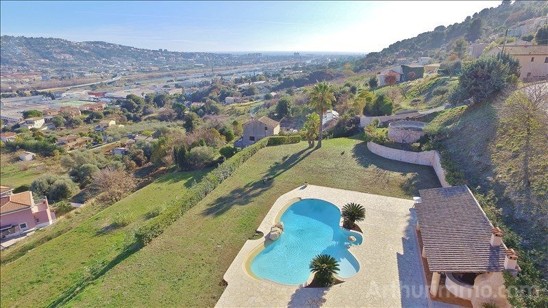 Deluxe sale house / villa St laurent du var 1 260 000€ - Picture 4