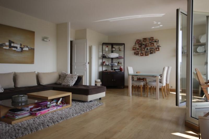 Deluxe sale apartment Courbevoie 1050000€ - Picture 2