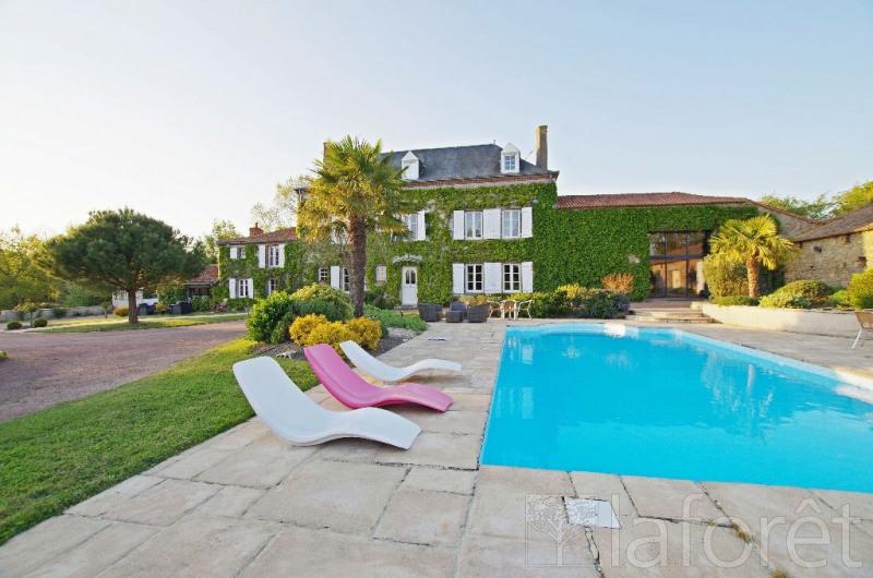 Vente maison / villa Nueil les aubiers 415000€ - Photo 1