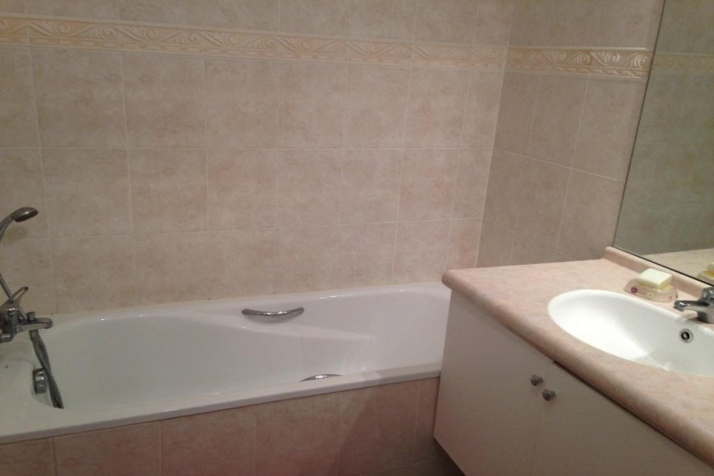 Sale apartment Ste maxime 369000€ - Picture 9
