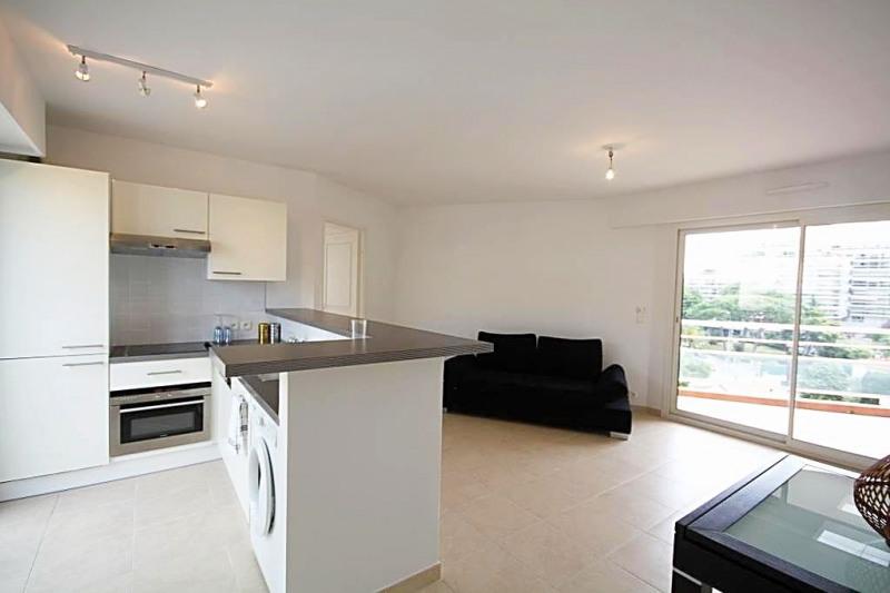 Sale apartment Juan-les-pins 385000€ - Picture 1