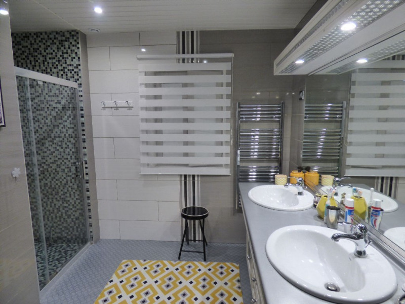 Sale house / villa Les andelys 194000€ - Picture 5