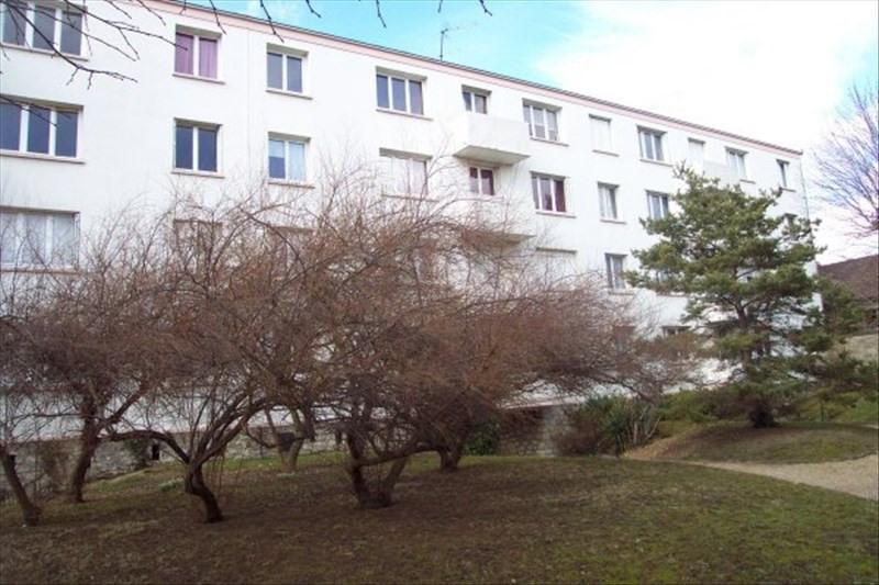 Rental apartment Le vesinet 791€ CC - Picture 1