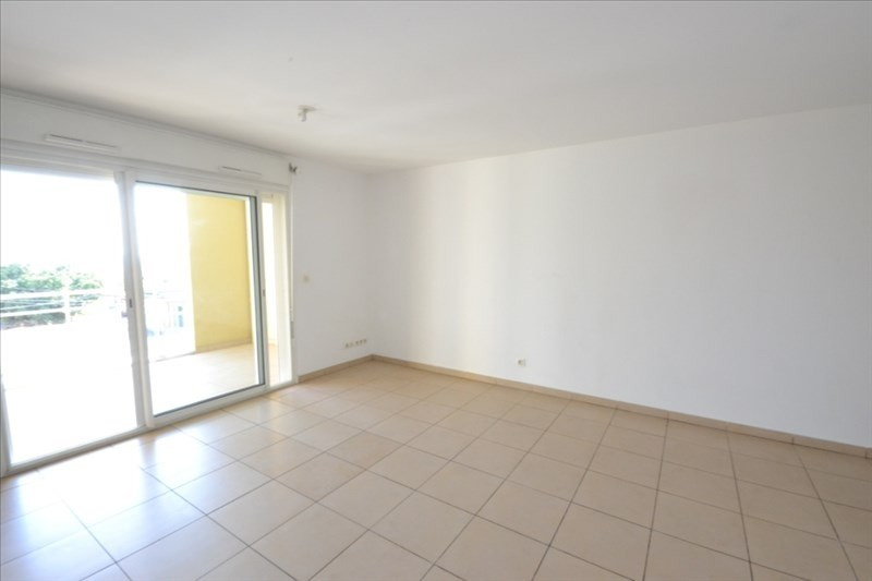 Location appartement St pierre 734€ CC - Photo 3