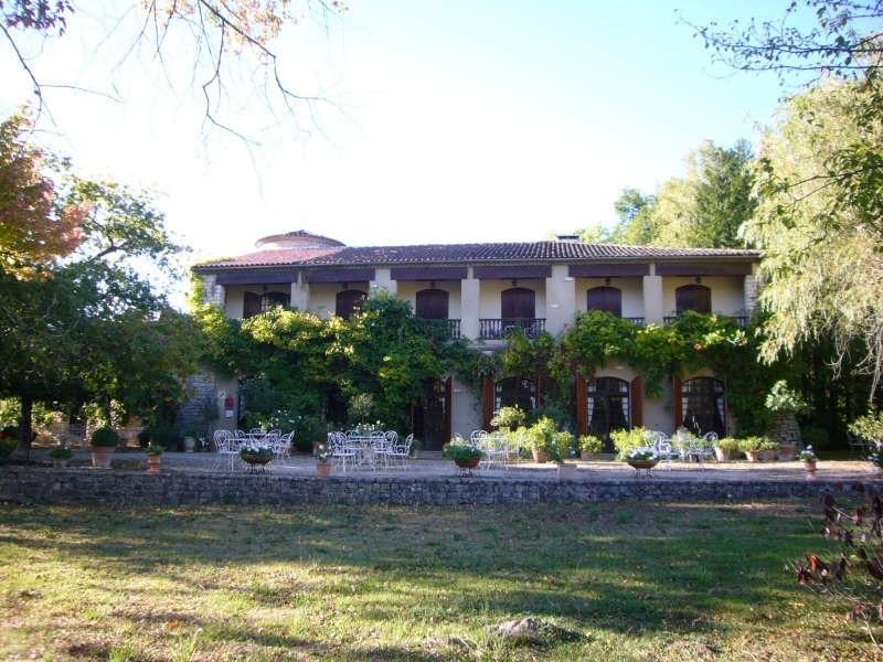 Sale house / villa Brantome 682500€ - Picture 1