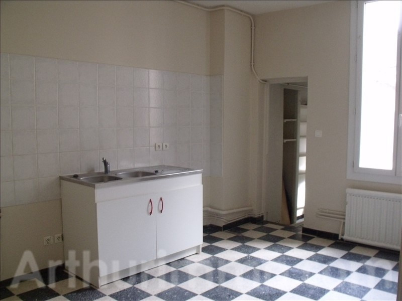 Rental apartment Lodeve 667€ CC - Picture 4