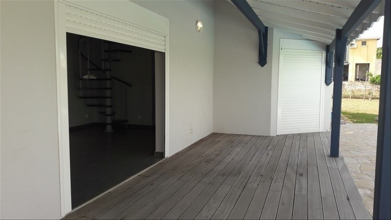 Location maison / villa St francois 1 700€ CC - Photo 2