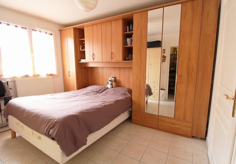 Sale house / villa Maurepas 367500€ - Picture 3