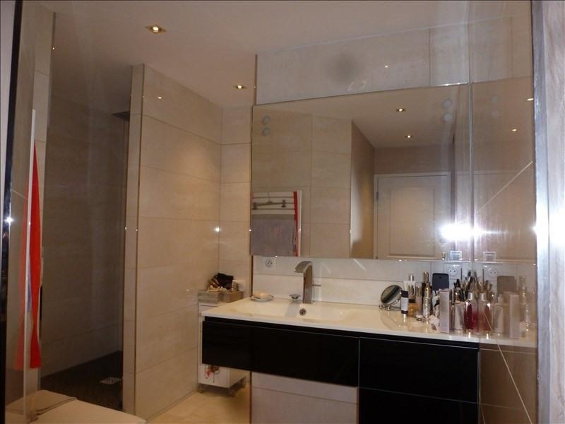 Sale apartment Charbonnieres les bains 449000€ - Picture 3