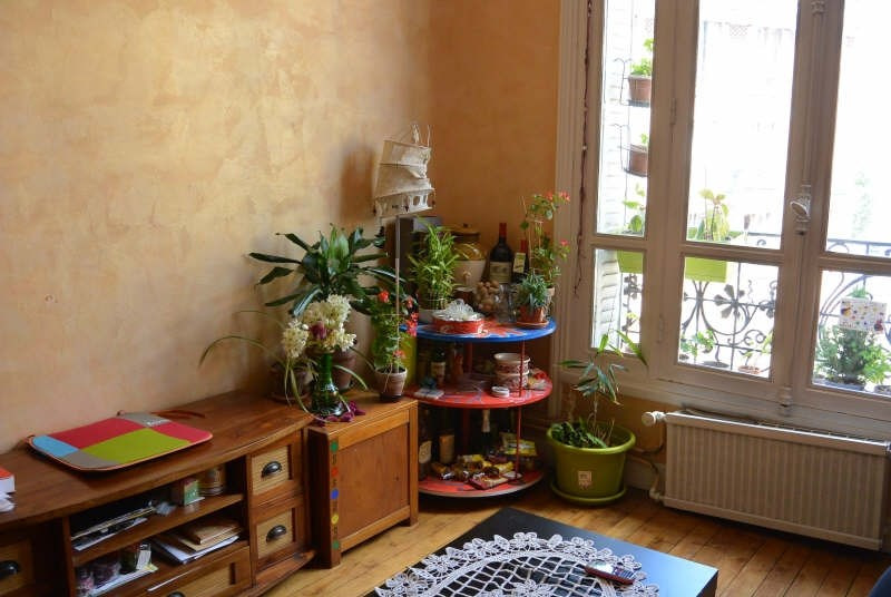 Rental apartment Clichy 1 090€ CC - Picture 1