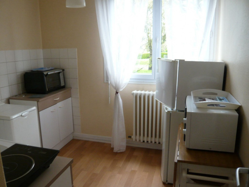 Rental apartment Laval 430€ CC - Picture 2