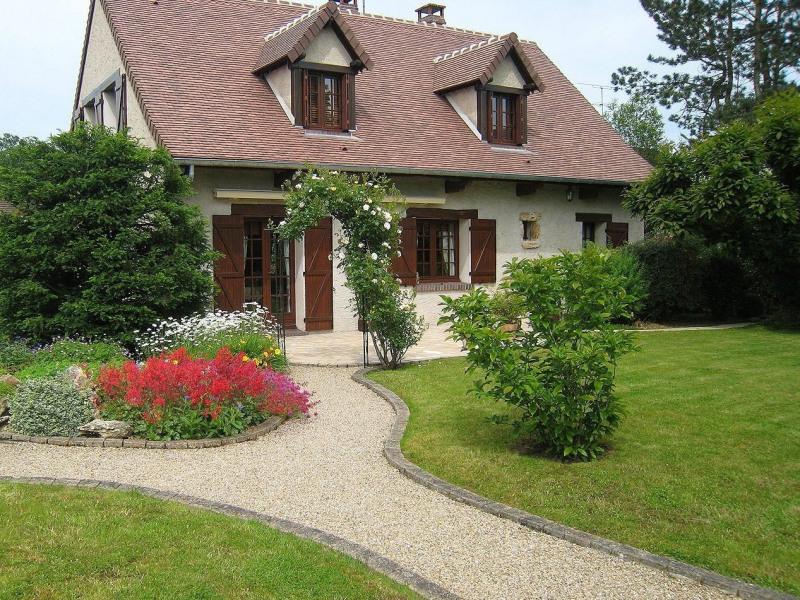 Sale house / villa Rambouillet 675000€ - Picture 1