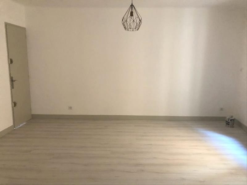 Location appartement Beaurecueil 590€ CC - Photo 2