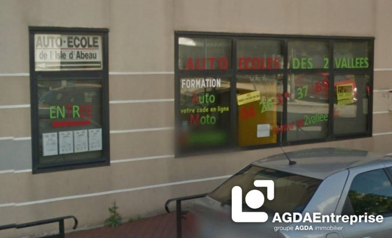 location boutique l 39 isle d 39 abeau 38080 l 39 isle d. Black Bedroom Furniture Sets. Home Design Ideas