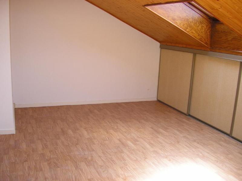 Rental apartment Bellignat 219€ CC - Picture 1