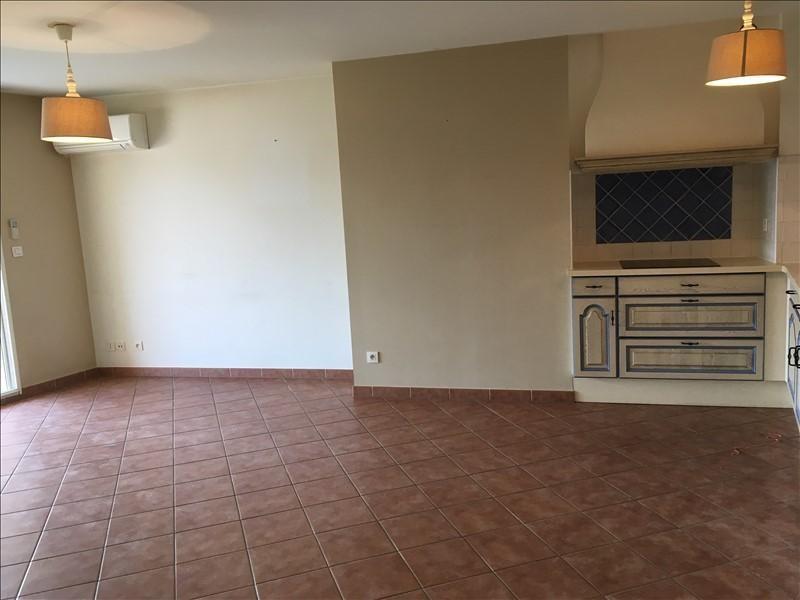 Rental apartment Pelissanne 930€ CC - Picture 4