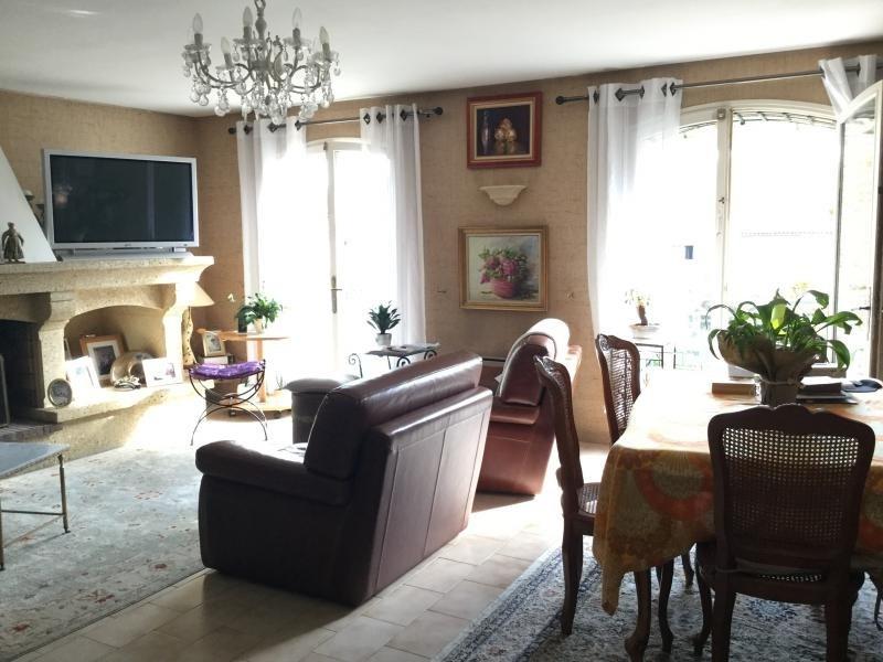 Sale apartment Lambesc 259000€ - Picture 2