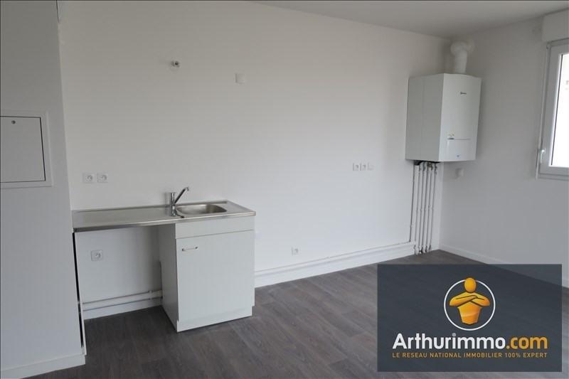 Rental apartment Vert st denis 839€ CC - Picture 2
