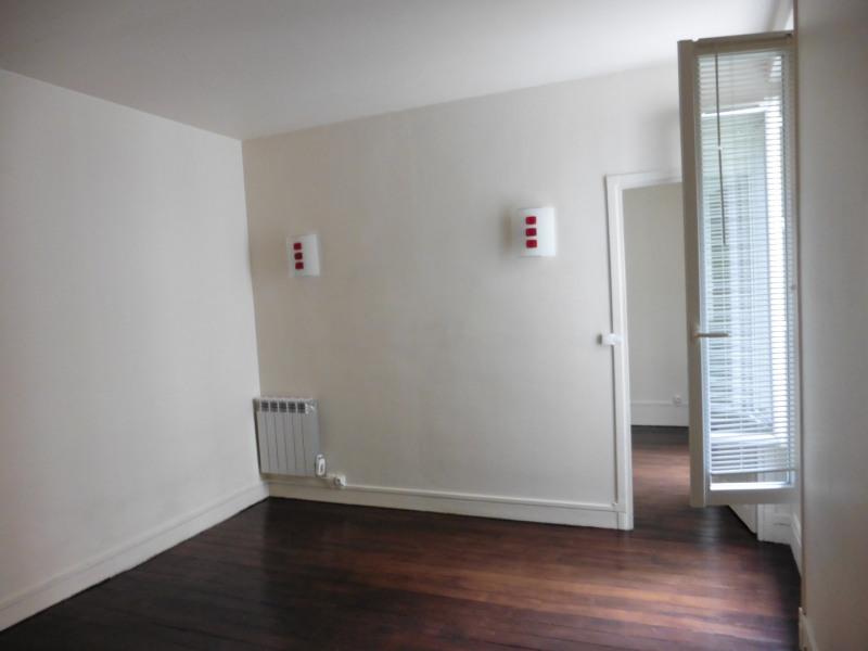 Location appartement Paris 12ème 989€ CC - Photo 1
