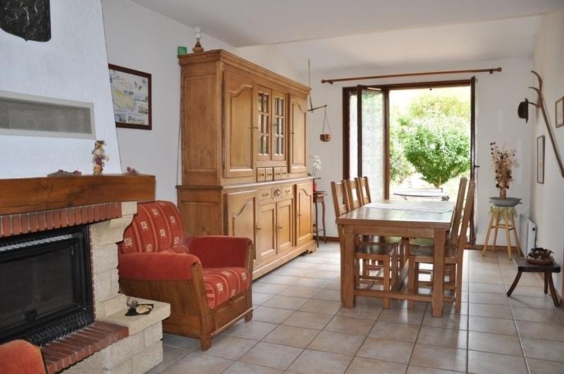 Sale house / villa Pommiers 235000€ - Picture 4