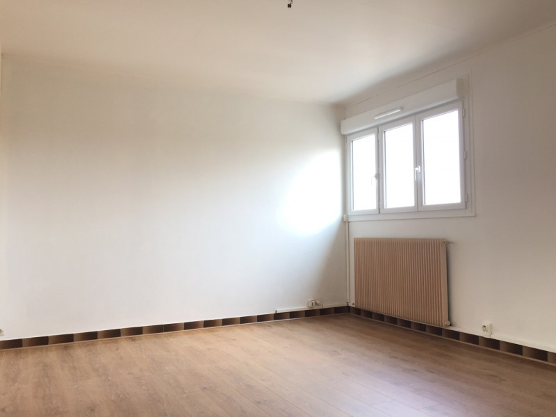 Rental apartment Pierrelaye 635€ CC - Picture 1