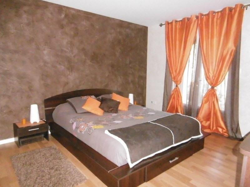 Sale house / villa St front de pradoux 228000€ - Picture 5