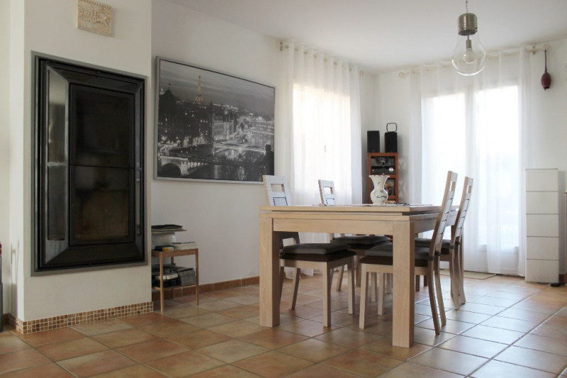 Sale house / villa Mallemort 335 000€ - Picture 1