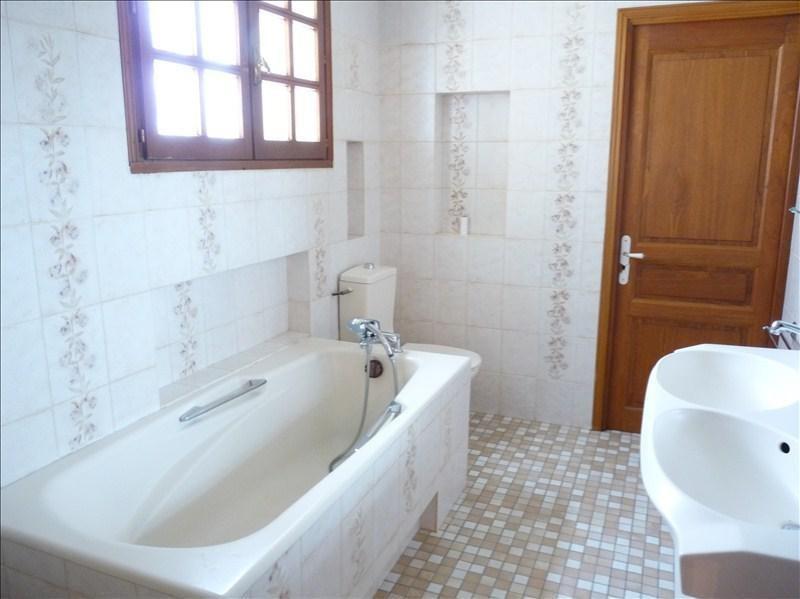 Sale house / villa Roquefort 315000€ - Picture 4