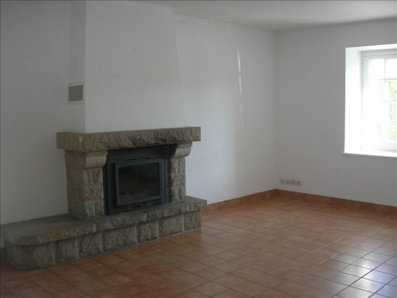 Location maison / villa St carreuc 450€ CC - Photo 3
