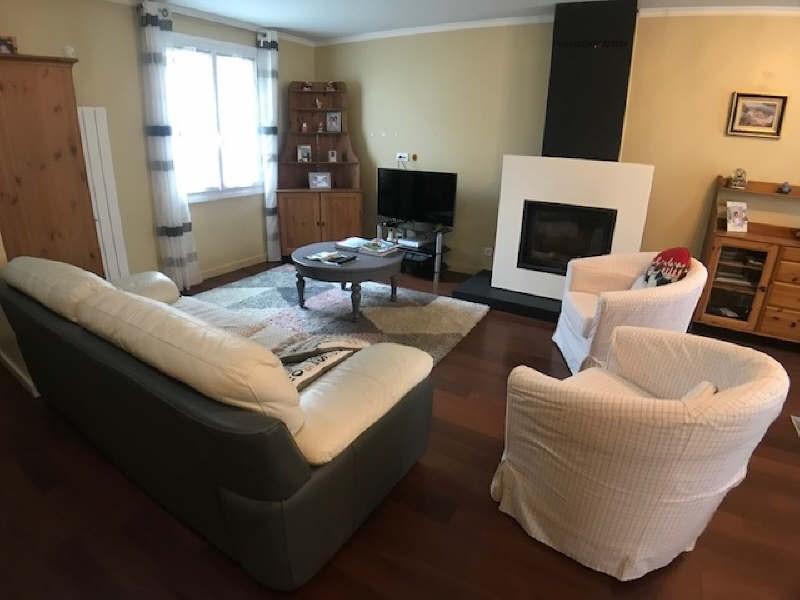Sale house / villa Lesigny 406000€ - Picture 2