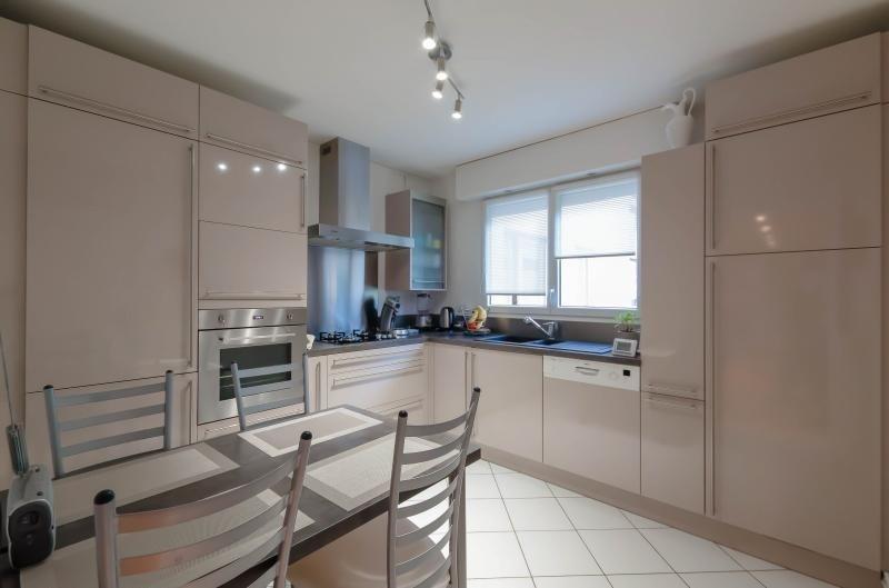 Sale apartment Le ban-saint-martin 244000€ - Picture 2