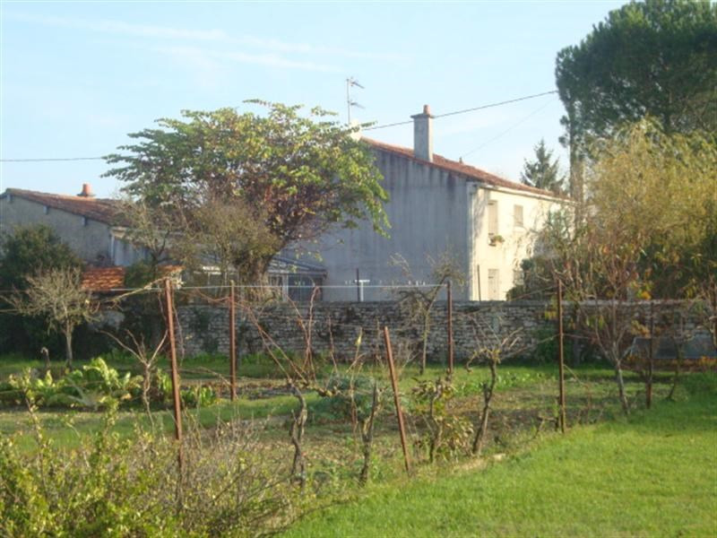 Vente maison / villa Villeneuve-la-comtesse 148400€ - Photo 5