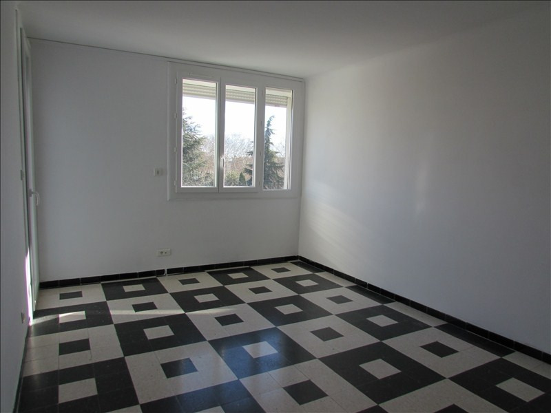 Sale apartment Beziers 81 000€ - Picture 1