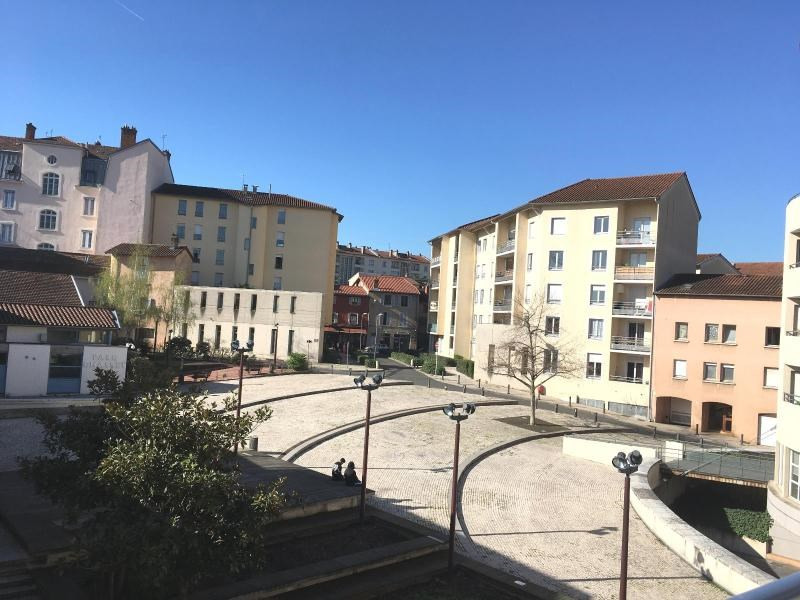 Location appartement Villefranche sur saone 659€ CC - Photo 9
