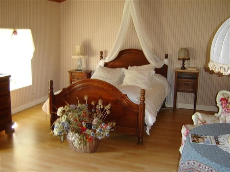 Sale house / villa Saint-hilaire-de-villefranche 157900€ - Picture 4