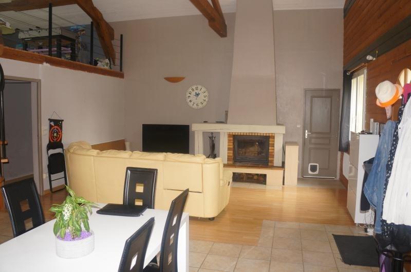 Sale house / villa L isle jourdain 320000€ - Picture 5