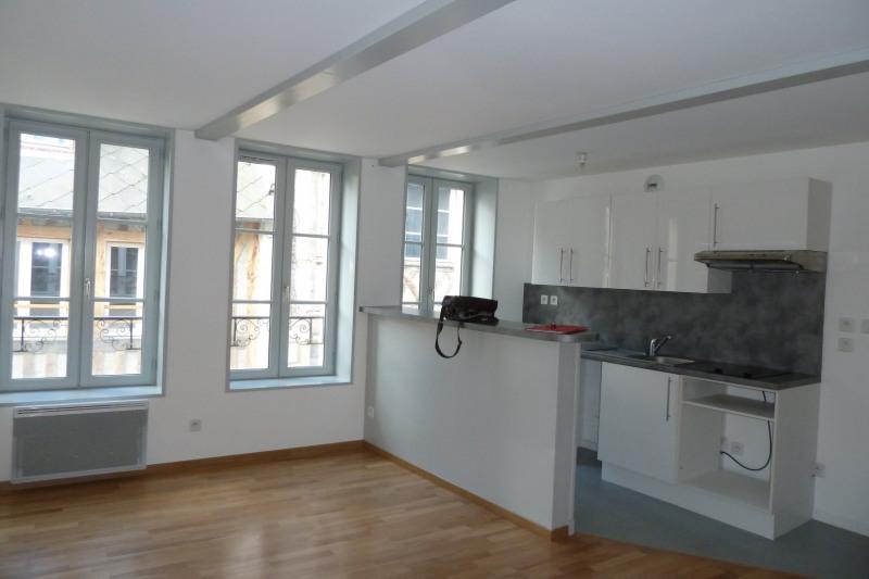 Location appartement Honfleur 495€ CC - Photo 1