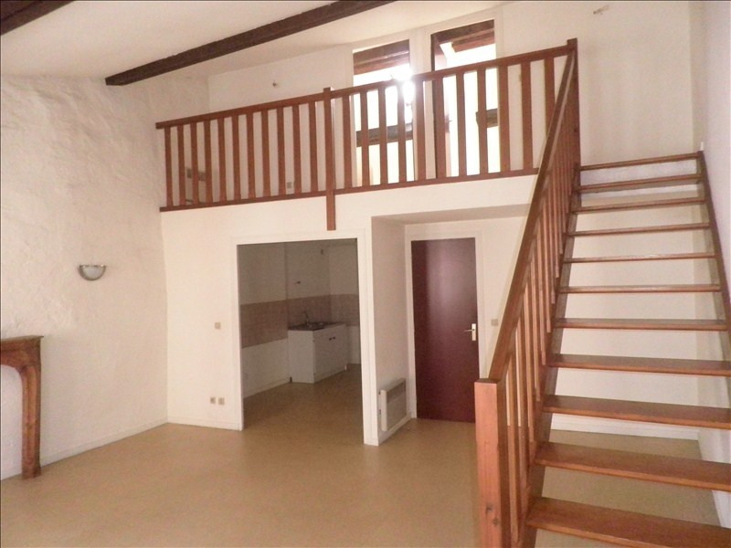 Location appartement Le puy en velay 411,79€ CC - Photo 1