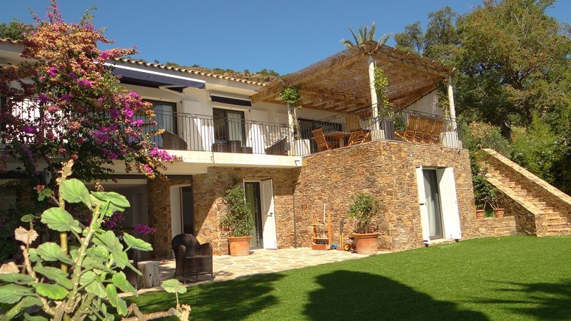 Vacation rental house / villa Le rayol 8 000€ - Picture 2