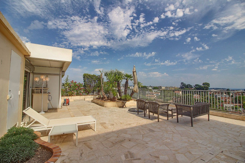 Deluxe sale apartment Antibes 899000€ - Picture 2